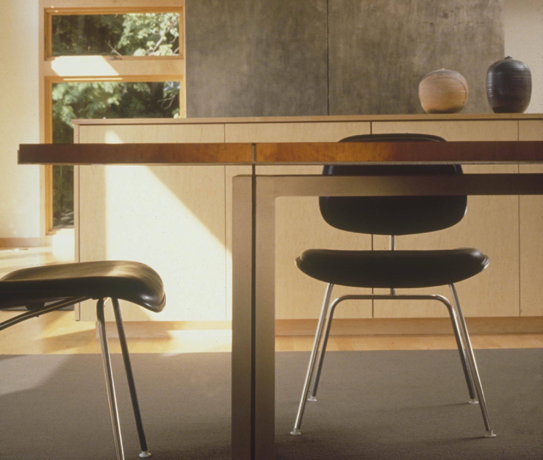 home dovetail working studio. Black Bedroom Furniture Sets. Home Design Ideas